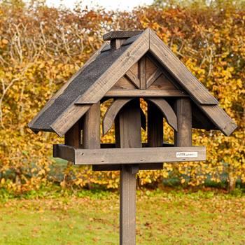 930316-1-fågelbord-rydbo-svart-tillverkad-för-hand-voss.garden.jpg
