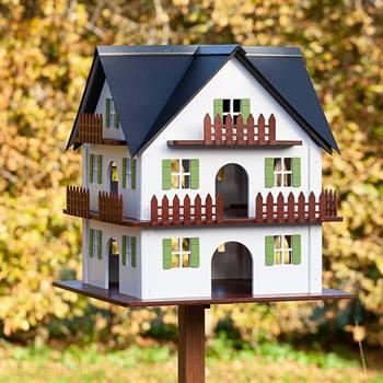 930364-1-fågelhus-stort-fågelbord-lantlig-stil-pittoresk-enastående-design-voss.garden.jpg