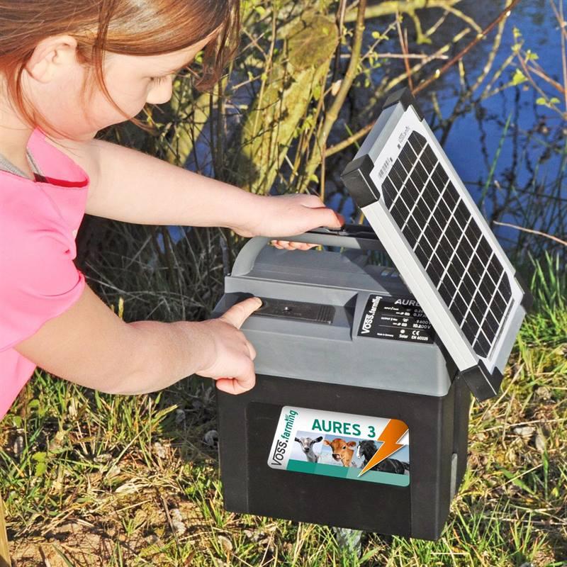 43855-9v-solar-energiser-voss_farming-aures-3-8.jpg