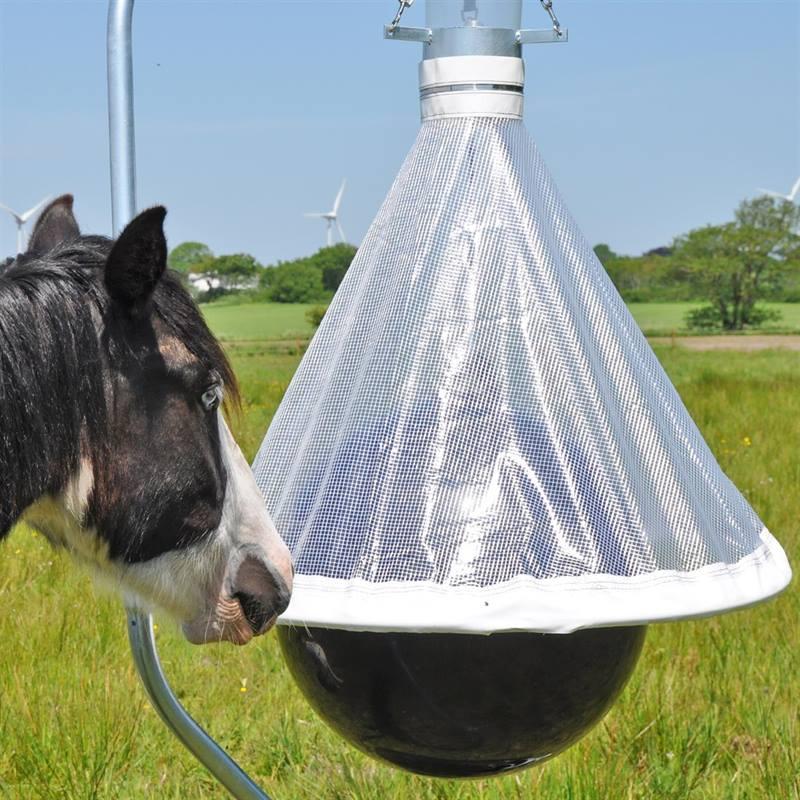 45470-voss-farming-horse-fly-trap-horsefriend-11.jpg