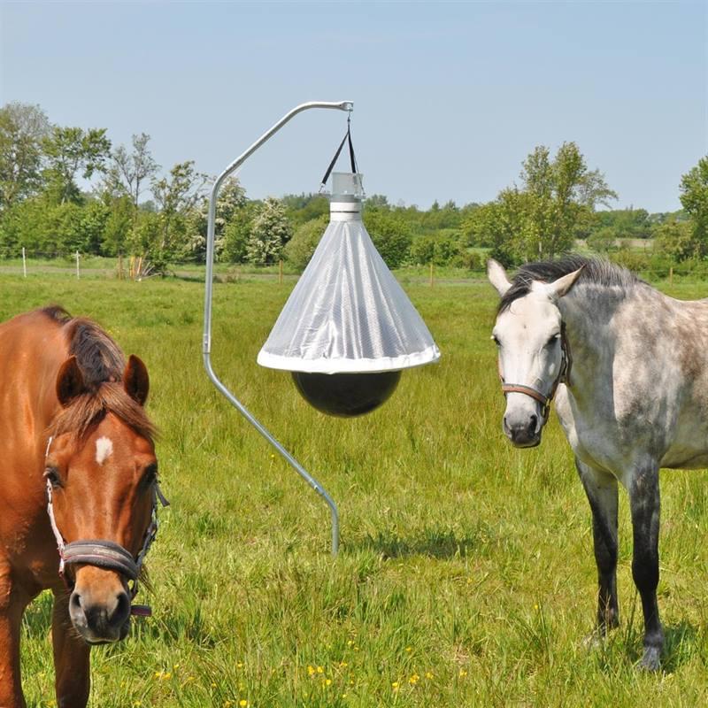 45470-voss-farming-horse-fly-trap-horsefriend-2.jpg