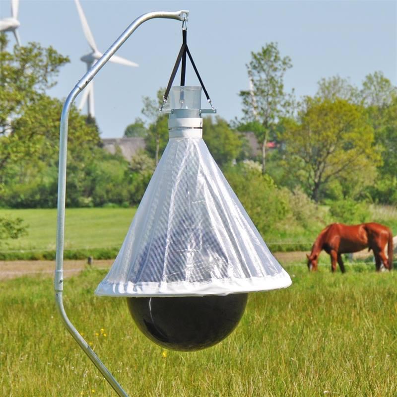 45470-voss-farming-horse-fly-trap-horsefriend.jpg