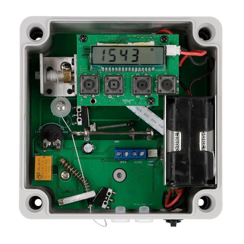 561850-2-elektrisk-lucköppnare-tidsstyrd-hönslucka-hönshus.jpg