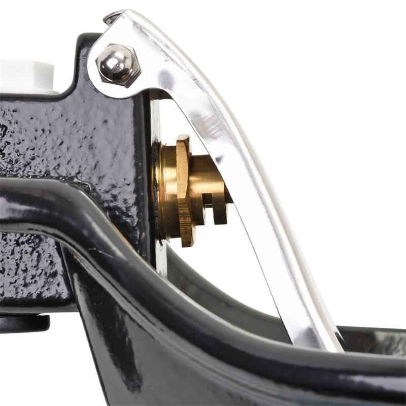 81400-8-vattenkopp-med-rostfri-tunga-for-hast-notkreatur-gjutjarn-svart.jpg