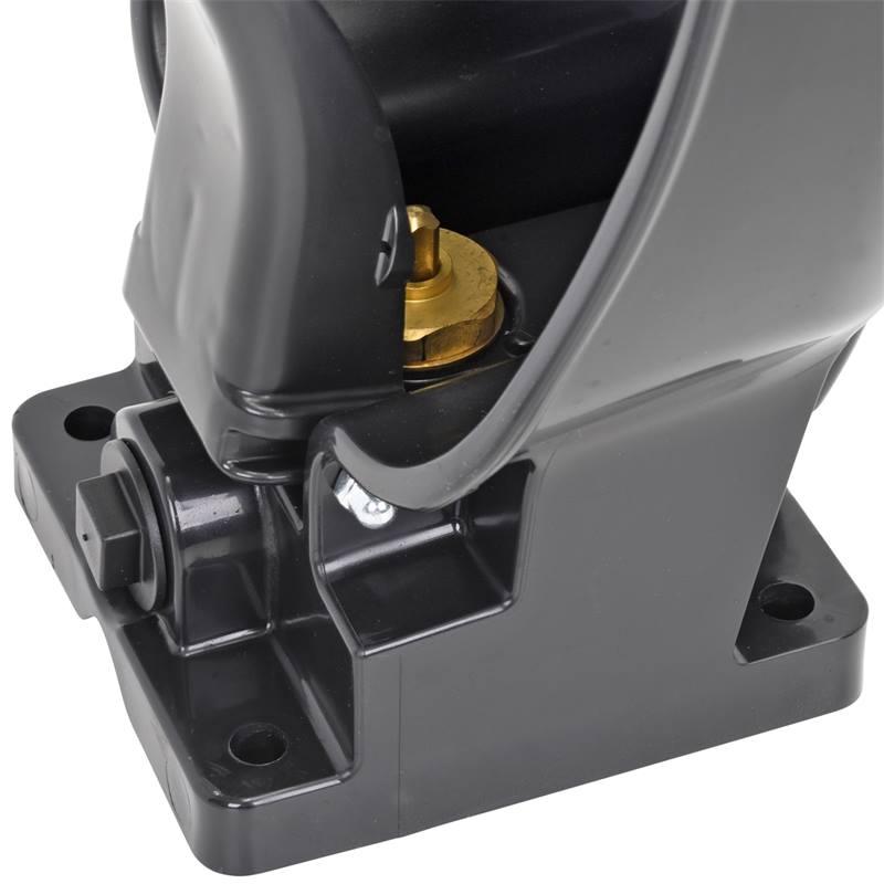 81421-5-vattenkopp-k50-med-tunga-for-hast-och-notkreatur-plast-svart.jpg