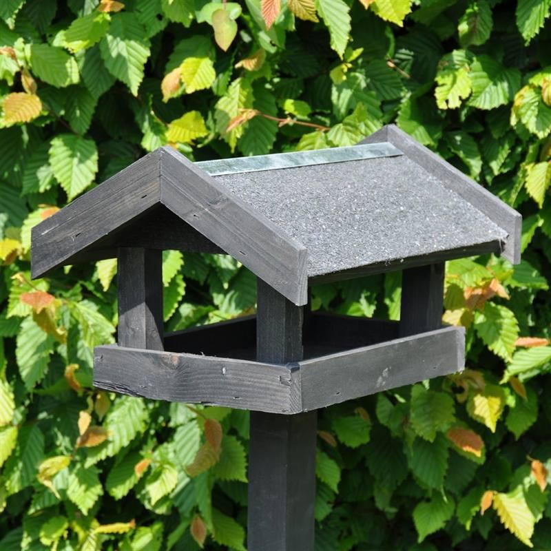 930122-bird-feeder-tornby-2.jpg