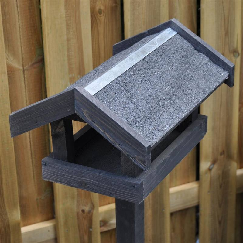 930122-bird-feeder-tornby-3.jpg