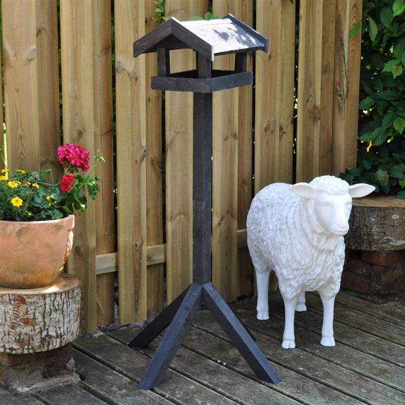 930122-bird-feeder-tornby-5.jpg