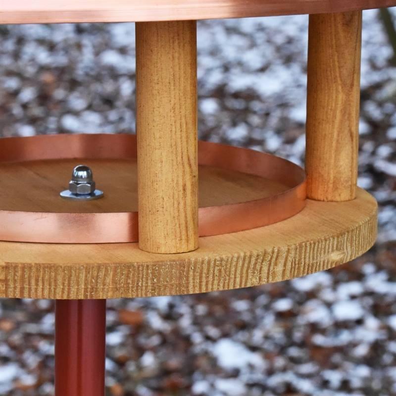 930126-5-stiligt-fågelhus-av-trä-och-metall-snygg-trädgårdsdekoration-VOSS.garden.jpg