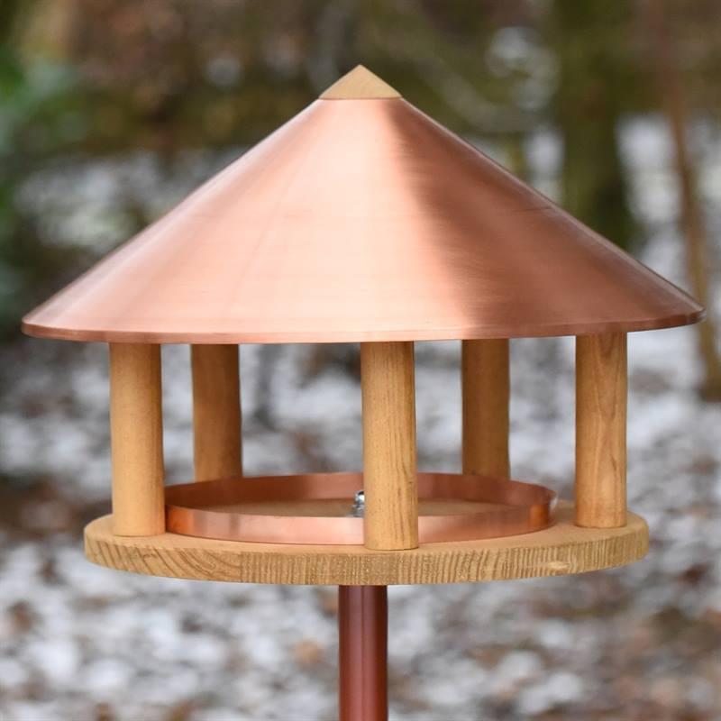 930126-8-fågelhus-förstklassigt-utförande-stilig-formgivning-VOSS.garden.jpg