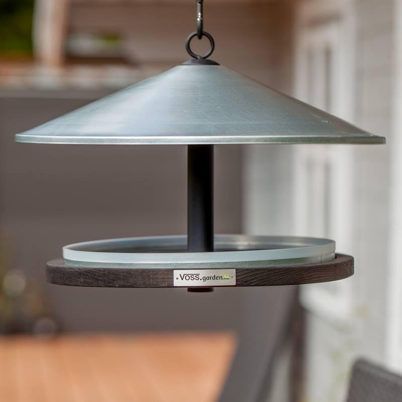 930132-4-tidlös-fågelhus-snygg-dansk-design-i-trä-och-metall-rund-formgivning.jpg