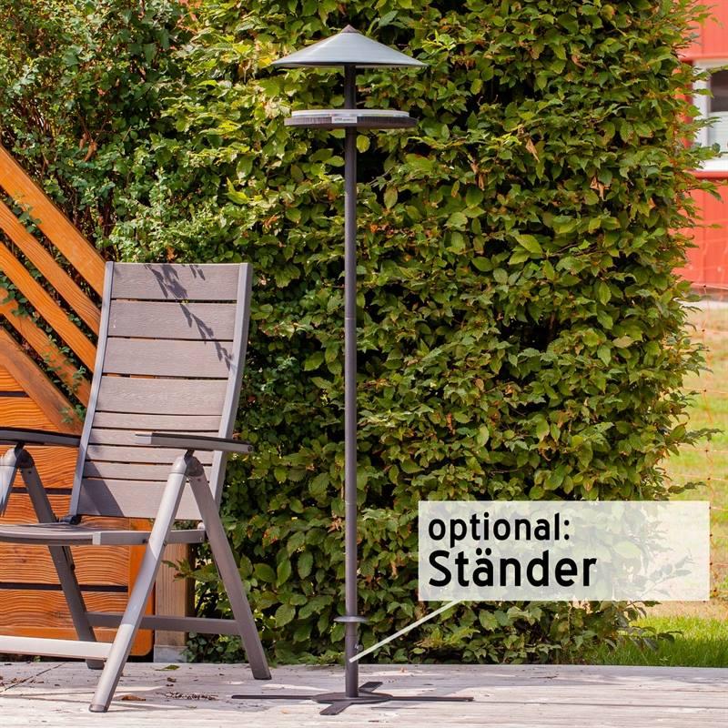 930133-8-fågelmatning-året-om-snygg-fågelbord-på-stolpe-voss.garden.jpg