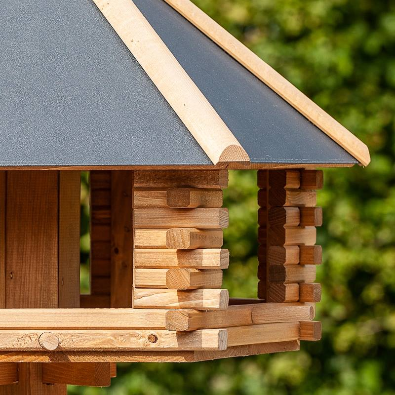930300-7-voss-garden-fågelhus-fågelbord-fågelmatare-i-trä-metall-lantkompaniet.jpg