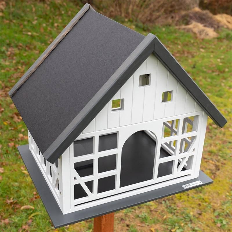 930365-voss-garden-vogelhaus-belau-mit-dunkelm-metalldach.jpg