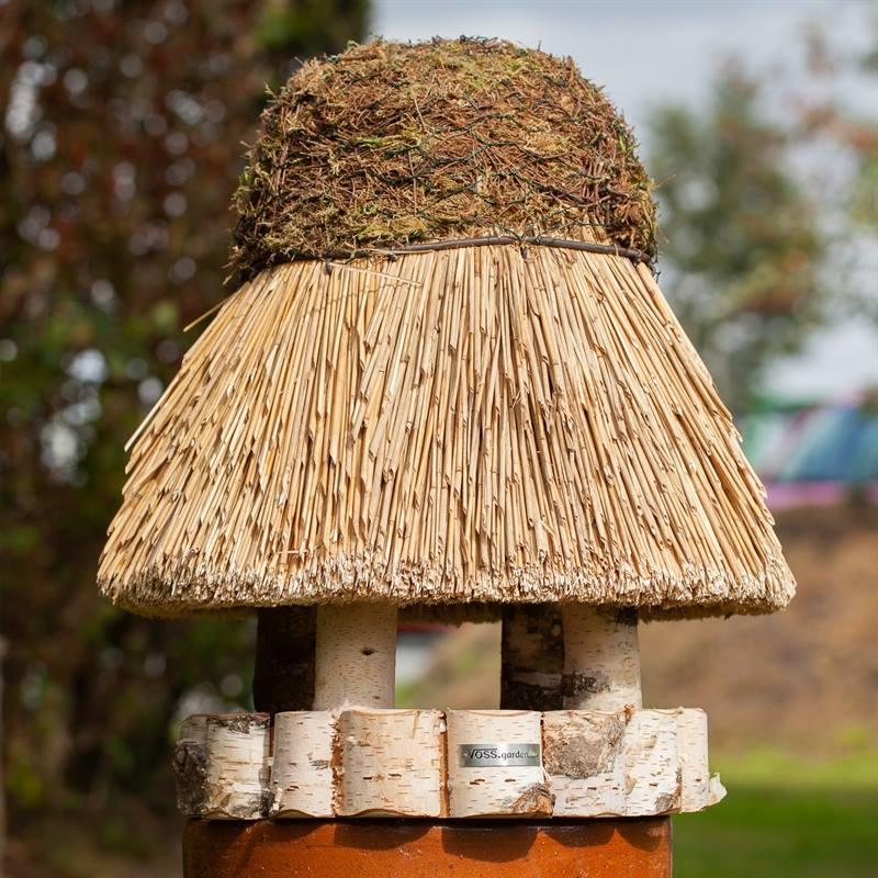 930409-7-stort-fågelhus-amrum-fågelhus-med-vasstak-voss.garden.jpg