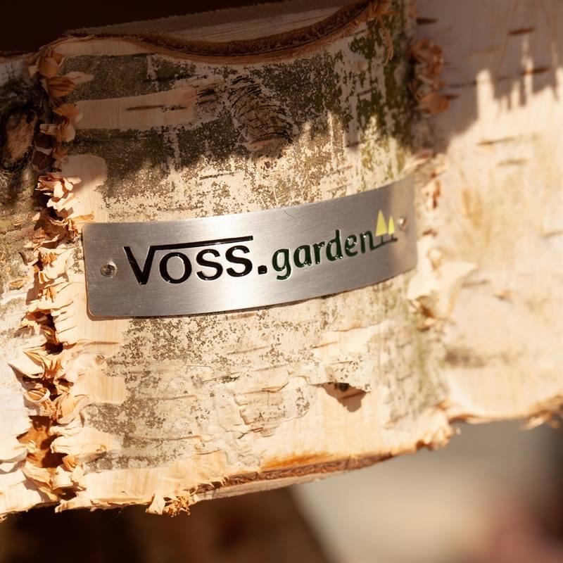 930412-2-runt-fågelbord-föhr-voss.garden-fågelmatare-lantliv-lantkompaniet.jpg